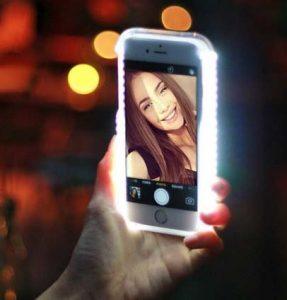 LEDライト付きスマホケース 自撮り インスタ映え セルフィーライト フリマに出品する時に便利